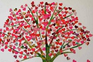 El rbol de los corazones una bonita decoraci n para el for Decoracion amor y amistad oficina