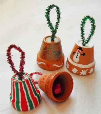 Manualidades navideñas con macetas3